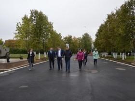 30 августа с рабочим визитом рабочий поселок Приютово посетил и.о. заместителя Премьер-министра Правительства РБ – министр ЖКХ РБ Борис Беляев.